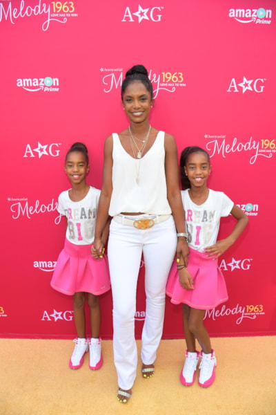 "LOS ANGELES, CA - OCTOBER 10:  Actress Kim Porter and Jessie Combs, left, and D'Lila Combs, right, attend the red carpet premiere screening of Amazon Original Special ""An American Girl Story - Melody 1963: Love Has To Win"" on October 10, 2016 in Los Angeles, California.  (Photo by Charley Gallay/Getty Images for Amazon Studios)"