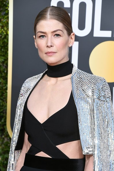 BEVERLY HILLS, CA - JANUARY 06:  Rosamund Pike attends the 76th Annual Golden Globe Awards at The Beverly Hilton Hotel on January 6, 2019 in Beverly Hills, California.  (Photo by Jon Kopaloff/Getty Images)
